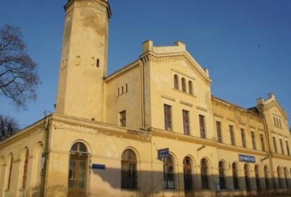 Dworzec w Głubczycach na sprzedaż