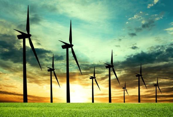 PKH wypowiedziała umowy wiatrowym gigantom. Ci odpowiadają