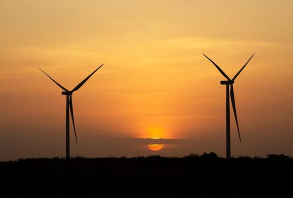 Konrad Świrski: Rozwój energetyki wiatrowej jest zagrożony przez nową ustawę