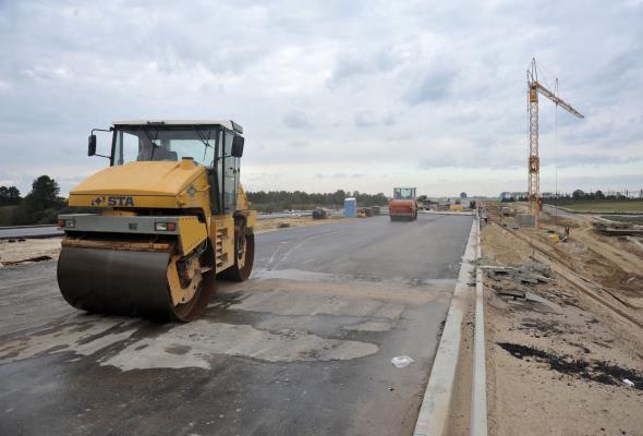 GDDKiA koncentruje się na rozpoczętych budowach i przetargach