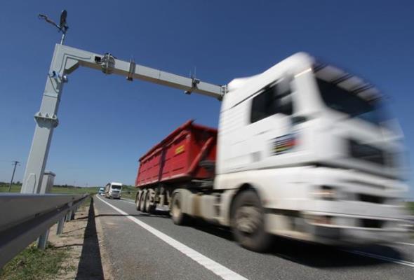 Stachowicz: Rozwiązań problemu przepustowości na autostradach jest kilka