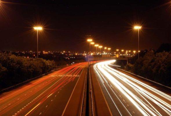 Samorządy będą płacić mniej za oświetlenie dróg