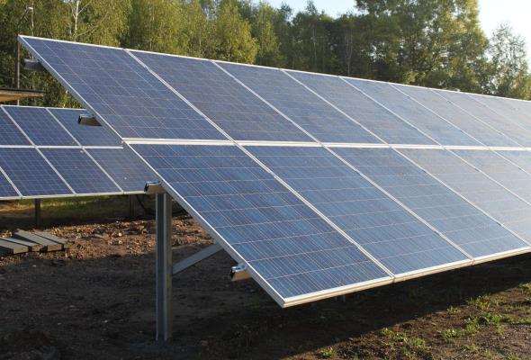 Lotniska zasilane energią słoneczną? Mamy takie również w Polsce