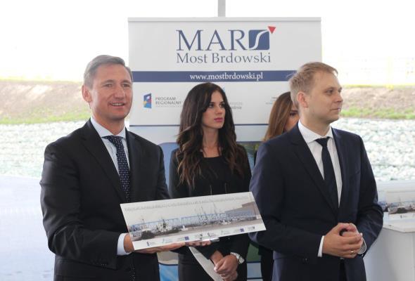 Szczecin: Ostrów Brdowski i Gryfia połączone z lądem. Otwarto nowy most