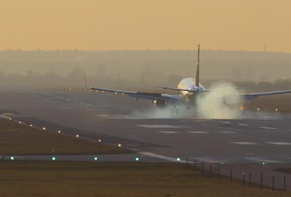 2015 rok w polskich portach lotniczych był rokiem remontów dróg startowych