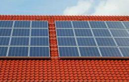 Google doradzi, czy montaż paneli słonecznych się opłaca