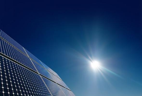 O panelach słonecznych, działających… w nocy