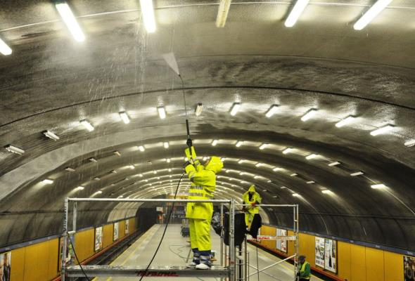 Metro: Wielkie czyszczenie mokotowskich stacji