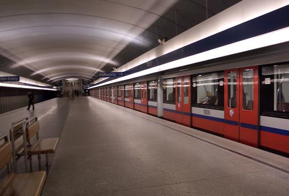 Po świętach metro stanie na weekend, by jeździć co 2 minuty