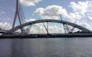 Budowa mostu kolejowego na Martwej Wiśle dobiega końca