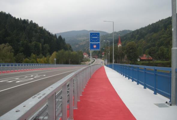 Nowe przejście w Piwnicznej-Zdroju nie dla ciężkich transportów