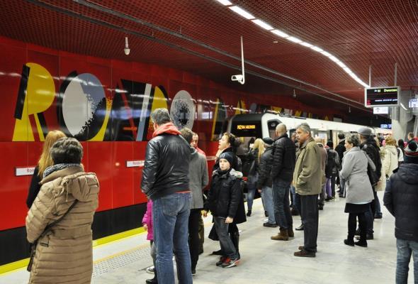 Metro: Liczba pasażerów na II linii mniejsza, ale nie jest źle