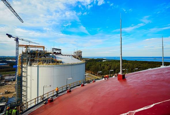 Terminal LNG w Świnoujściu przyjmuje pierwszą dostawę gazu [LIVE]