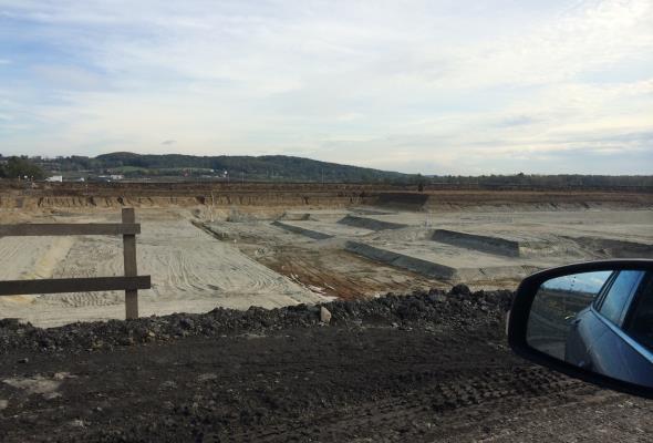 Zbiornik w Raciborzu zamiast wody spiętrza problemy