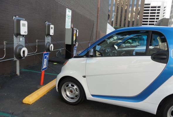Rozwój elektromobilności przyczyni się do wzrostu bezrobocia?