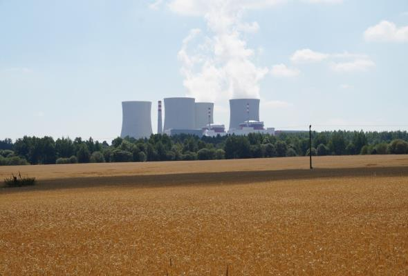 Rozbijanie atomu w rządowych planach