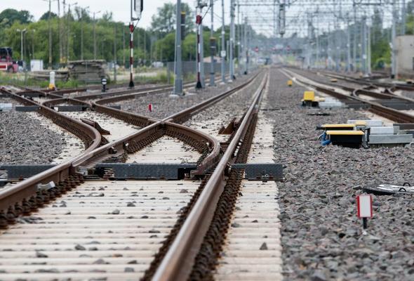 PLK: 160 km/h z Krakowa do Rzeszowa pod koniec 2016 r.