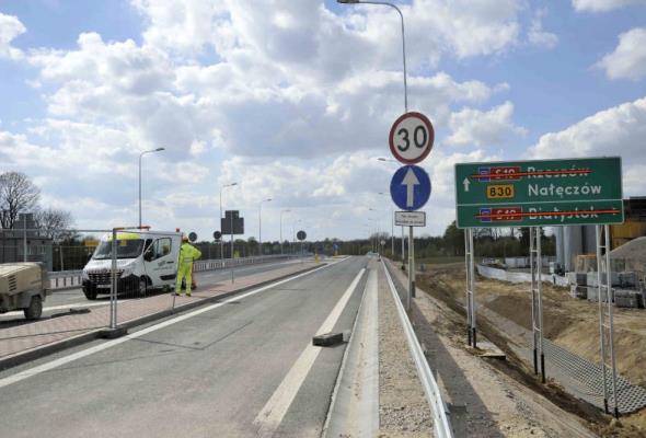 Od dziś ruch dwoma wiaduktami nad budowaną S19