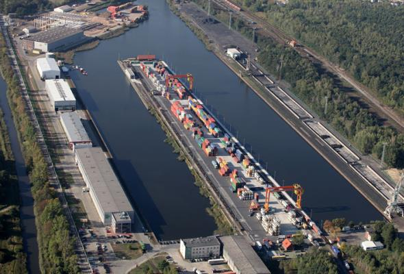Szeroki tor aż do portu śródlądowego. Były minister ma wizjonerski plan